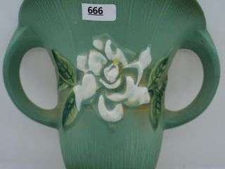 Roseville Gardenia 666 8  wall pocket  green