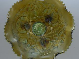 Carnival Wishbone Ruffles and Rings 8 d 3 ftd  bowl  green