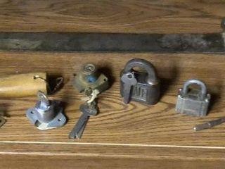Bayonet   5  locks  Cowbell  Brass Hammer