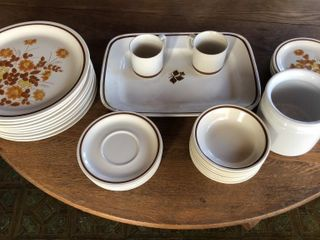 White and Brown Dinnerware Set
