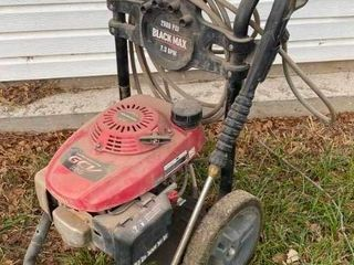 Black Max 2600 PSI Pressure Washer with Honda Engine   with Wand and Hose