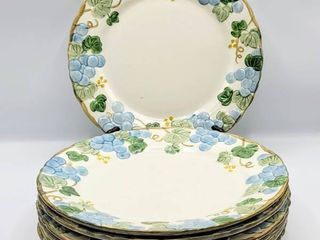Poppytrail by Metlox Vintage Blue Sculptured Grape   7 Dinner Plates