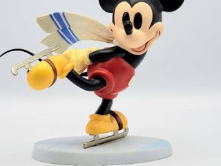 WDCC Mickey Mouse from Walt Disney s On Ice  Watch Me  Figurine   New in Box with COA