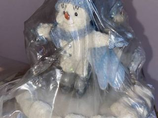 Encore s Snow Buddies in Original Box with Original Tag in place  Holiday On Ice Collection