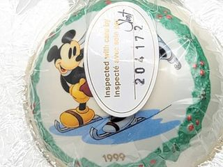 Walt Disney s ON ICE Ornament with COA   New in Box  Walt Disney Classic Collection 1999