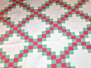 Beautiful Pink and Mint Diamond Pattern Quilt Measures 72  x 79
