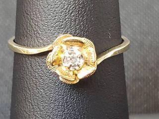 14K Yellow Gold Flower Diamond Ring   Size 6 5