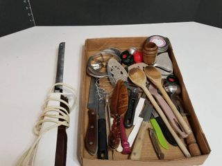 Electric knife and assorted utensils