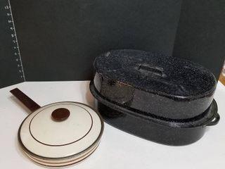 Enamelware roaster and skillet