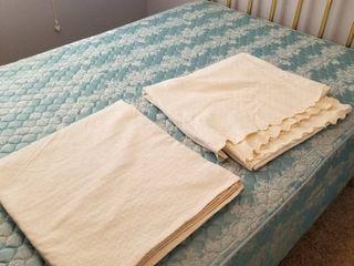 Bedspreads full size set of 2