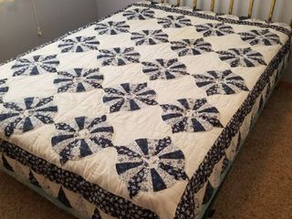 Twin quilt 70 x 86