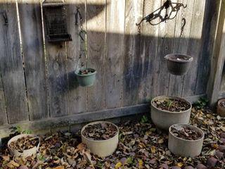 Decorative plastic pots set of 6  largest is 16  x 13