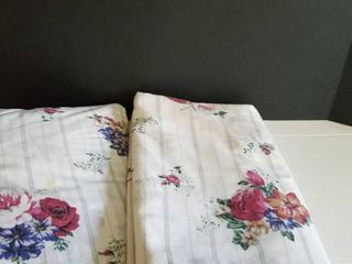 Full size fitted and flat sheet