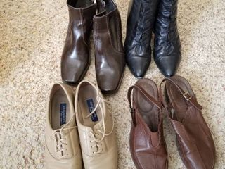 Womens boots and shoes size 10n