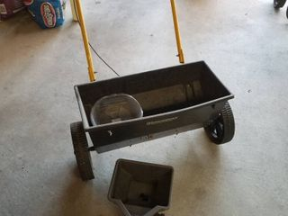 lawn spreader and hand spreader