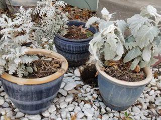 Decorative pots set of 3   largest is 10  dia