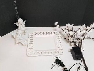 Platter  lighted floral stem and 2 Angels