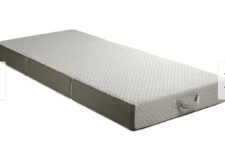 Medium   Twin Xl  Milliard 6 inch Trifold Mattress with Ultra Soft Removable Cover  Retail 175 49   Twin Xl  Retail 175 49