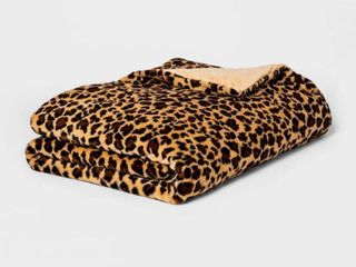 15 lB Faux Fur Weighted Blanket with Removable Cover   Thresholda  RETAIl  69 00
