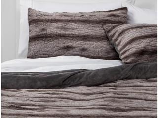 Textured Faux Fur Comforter   Sham Set Gray   Thresholda  Full Queen  RETAIl  49 00