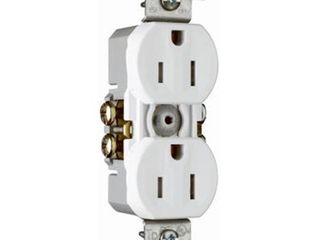 10 Pack White 15 Amp 125 Volt Grounded Duplex Outlet   Quantity 1