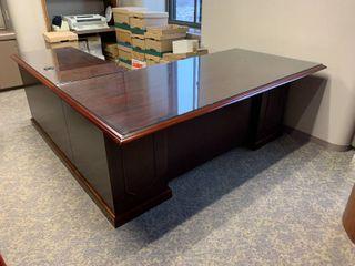 Nice wood l Shaped executive office desk