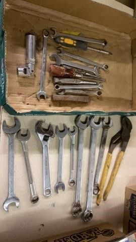 SOCKET WRENCHES AND OTHER TOOlS