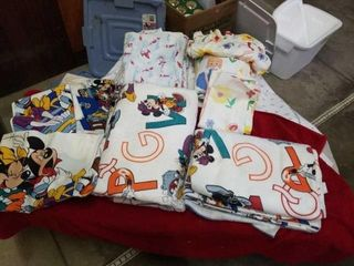1 MICKEYAND MINNIE FITTED SHEET   2 PIllOW