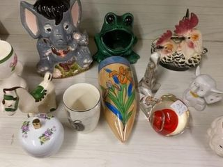 ASSORTMENT OF FIGURINES AND DECORATIVE ITEMS