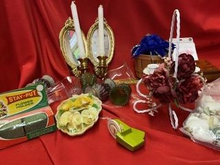 MANY DECORATIVE ITEMS AND SMAll JEWElRY BOX AND