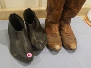 MENS BOOT GOlASHES XlARGE  TEXAS BRAND WORN BOOTS