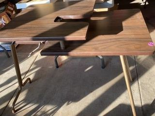 FOlDABlE TABlE    2 TIERED