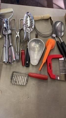 HAND MIXER  MEASURING SPOONS AND VINTAGE UTENSIlS