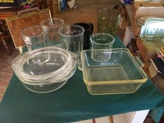 SMAll PYREX OVEN BOWl  SMAll SQUARE BAKING DISH