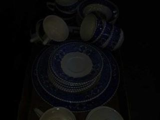 INCOMPlETE SET OF FARM SCENERY  BlUE AND WHITE