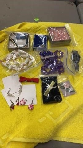 ASSORTMENT OF JEWElRY AND A BOWTIE