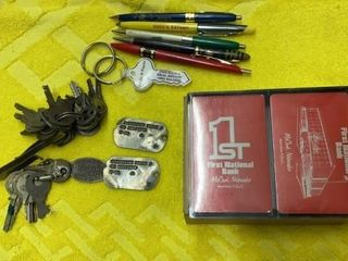 COllECTIBlE PENS  KEY CHAINS  DOG TAGS ANS CARDS