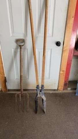 lITTlE FORK AND POST HOlE DIGGER