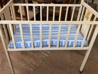 VINTAGE BABY BED