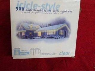 3 BOXES OF 300 SUPERBRIGHT ICIClE CHRISTMAS lIGHT