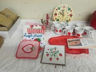 STRAWBERRY ITEMS   8 COFFEE CUPS  CANDlE HOlDER