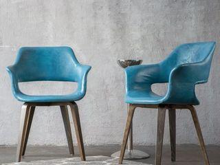 Corvus Patrizio Mid Century Modern Accent Chair  Set of 2  Retail 325 49