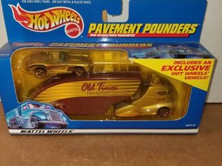 Hot Wheels   limited Edition Pavement Pounder Transport Rig