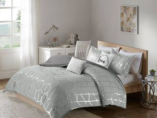 Intelligent Design Raina Comforter Metallic Print Geometric Design Modern Trendy All Season Bedding Set  Matching Sham  Decorative Pillow  King Cal King  Grey Silver