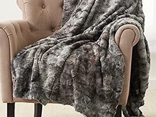 Pinzon Faux Fur Throw Blanket   63 x 87 Inch  Frost Grey
