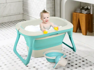 Qaba 4 in 1 Folding Baby Bathtub Washing Set with Safe Sucker Seat  Non Slip Surfaces  and an Easy Storable Design   Green
