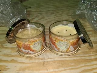 Set of 2 Homeworx lemon Poppy Muffin 4 wick candle