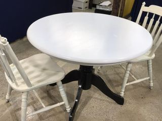 Round Table with White Top   Black Pedestal leg