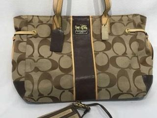 Coach ladies Matching Handbag   Wallet