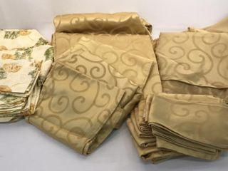 Gold Tablecloths  Napkins  Place Mats   More
